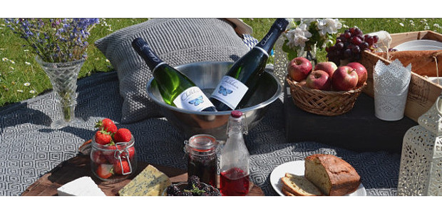 Treat your Dad to a very special bottle of Chalkdown Cider.www.chalkdowncider.com With Father's Day around the corner, why not treat your Dad to a very special bottle of […]