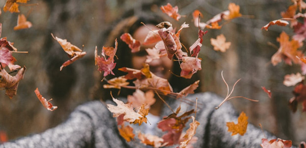 """Dating in Autumn and finding romance as the nights draw in and when the nightlife is magical! As we enter the fall season, when the nights draw in and """"dark […]"""